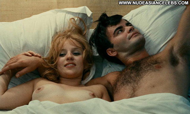 Claire Drouot Le Bonheur Posing Hot Kissing Big Tits Bed Topless