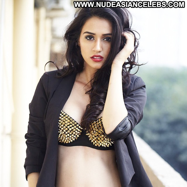 Disha Patani Miscellaneous Medium Tits Stunning Brunette Celebrity