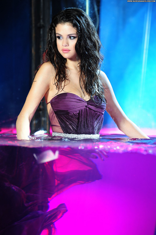 Selena Gomez The Dentist Stunning Sultry Gorgeous Pretty Doll