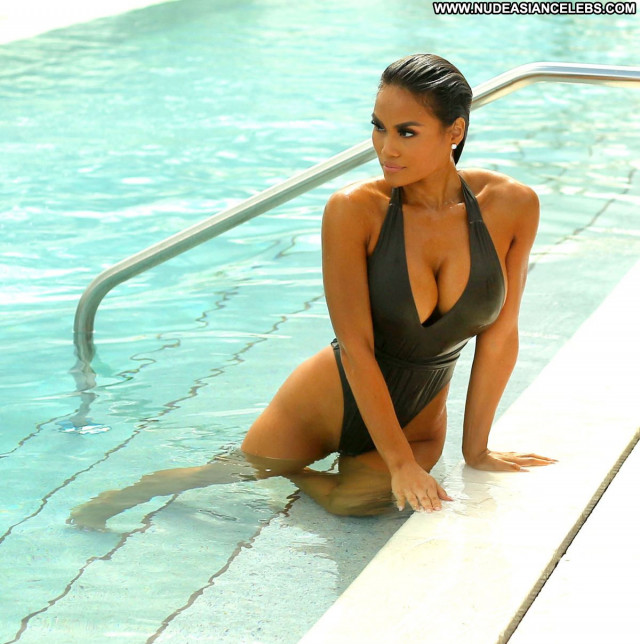 Daphne Joy No Source Celebrity Babe Posing Hot Beautiful Beach Pool