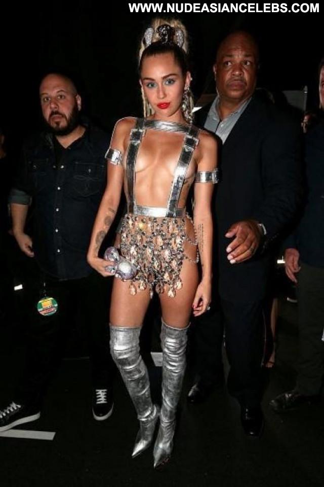 Miley Cyrus No Source Awards Babe Beautiful Posing Hot Celebrity