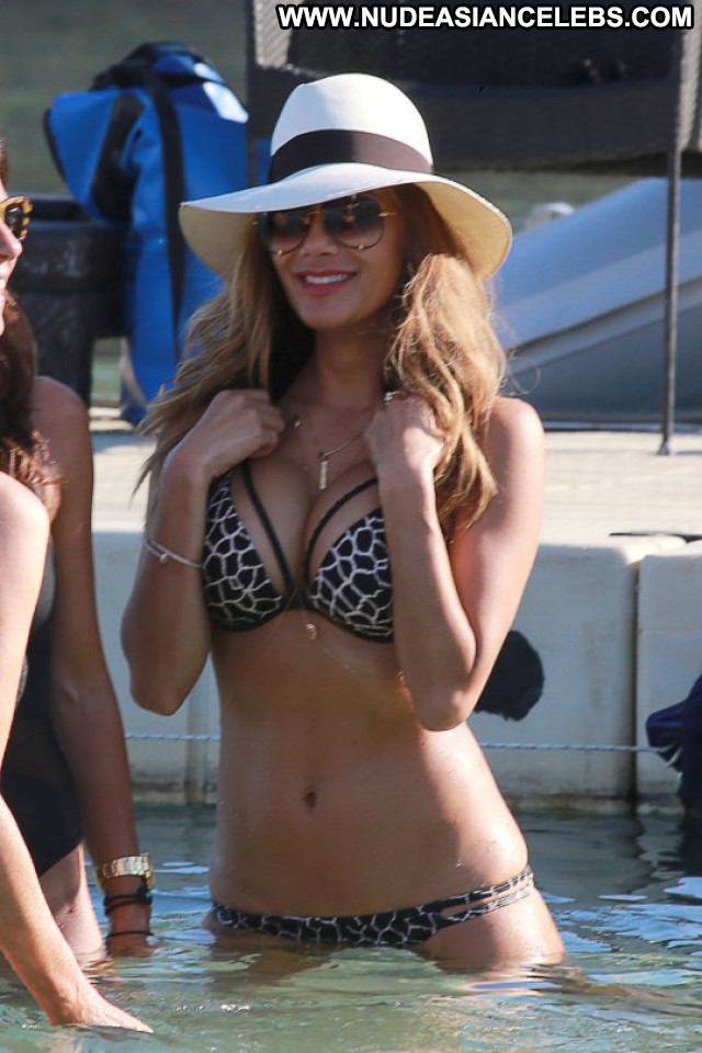 Nicole Scherzinger No Source Candids Beautiful Babe Celebrity Bikini