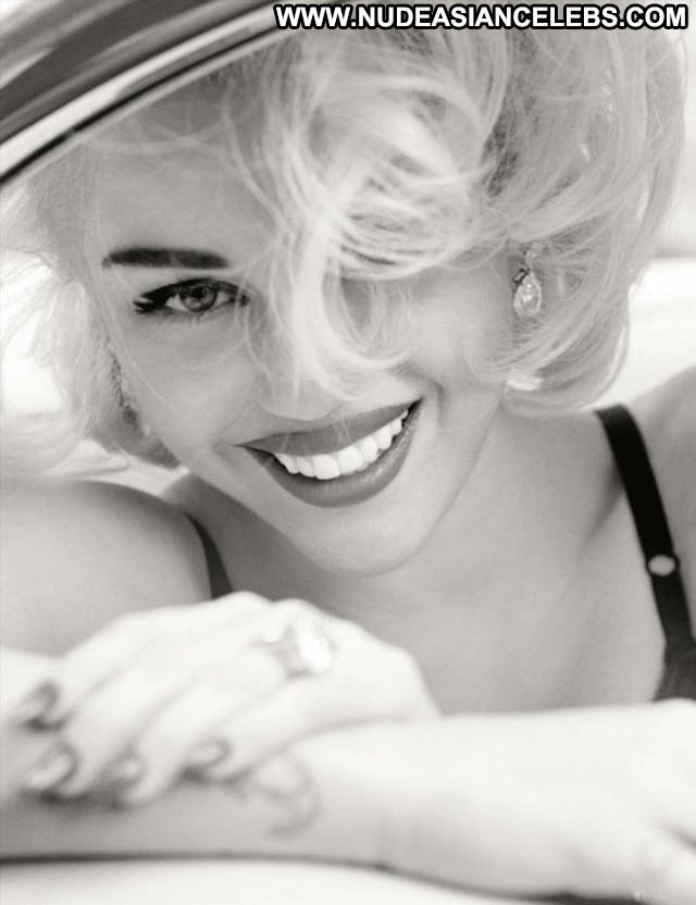 Miley Cyrus Topless Photoshoot Beautiful Photoshoot Celebrity Topless