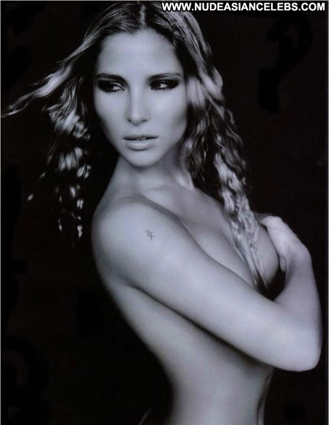 Elsa Pataky No Source Sexy Spain Babe Black Actress Beautiful Posing