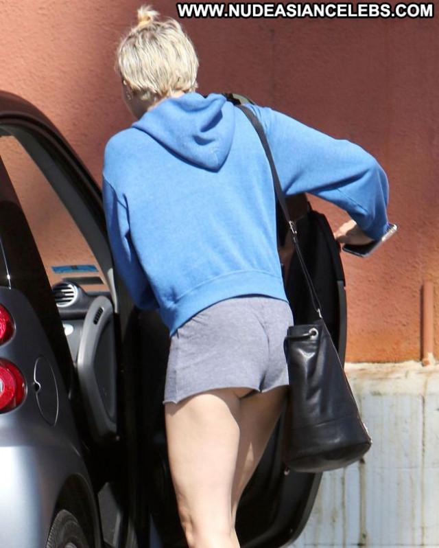 Miley Cyrus No Source Babe Posing Hot Celebrity Hot Shorts Beautiful