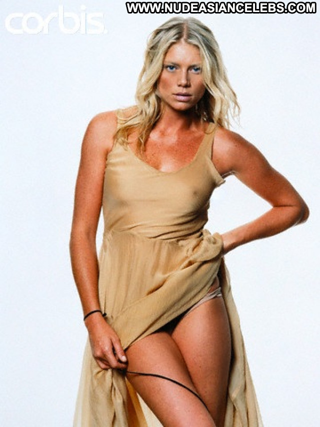 Peta Wilson La Femme Nikita  Babe Actress Beautiful Legs Celebrity