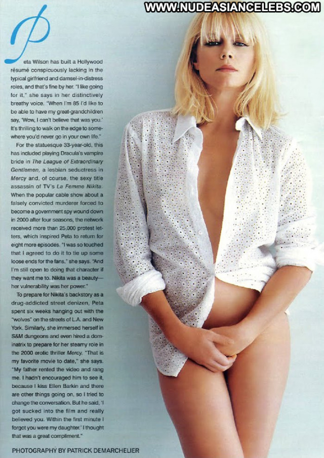Peta Wilson La Femme Nikita Legs Beautiful Posing Hot Babe Celebrity