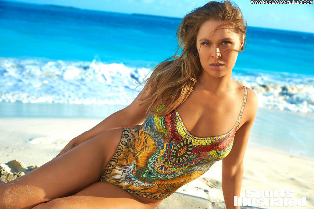 Ronda Rousey Sports Illustrated Swimsuit Actress Sports American