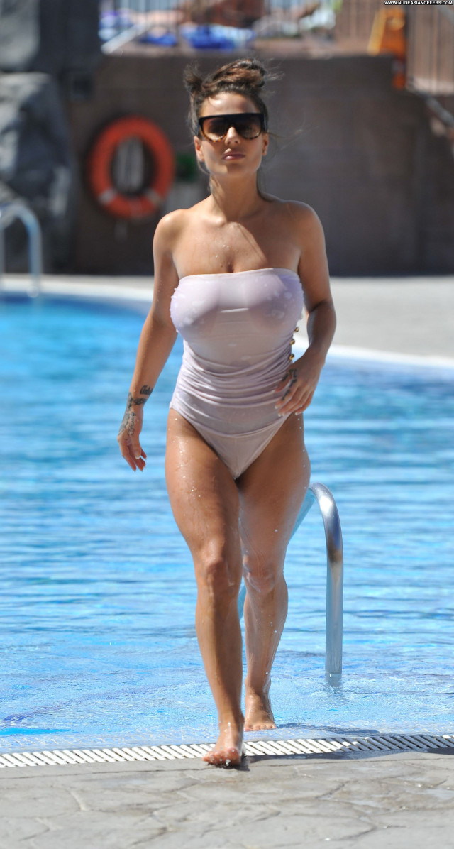Chantelle Connelly The Pool Sexy Pool Posing Hot Celebrity See