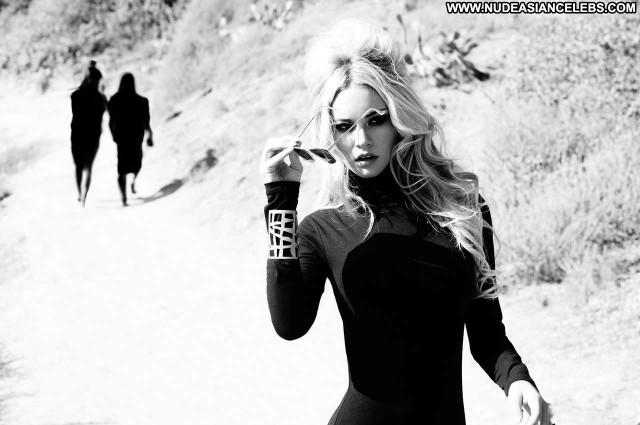Bryana Holly Photo Shoot  Retro Photoshoot Model Photo Shoot