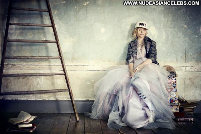 Chloe Moretz Teen Celebrity Beautiful Posing Hot Babe