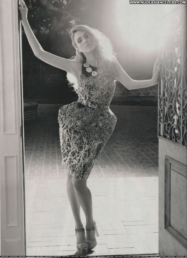 Jessica Alba No Source  Posing Hot Latina Celebrity Beautiful