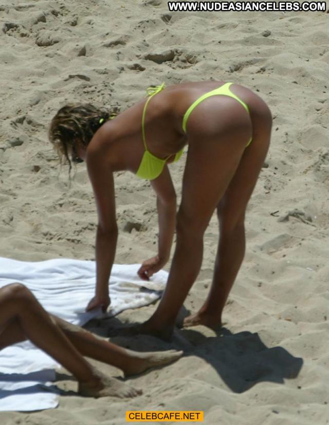 Naomi Ryan No Source Posing Hot Beach Celebrity Beautiful Babe