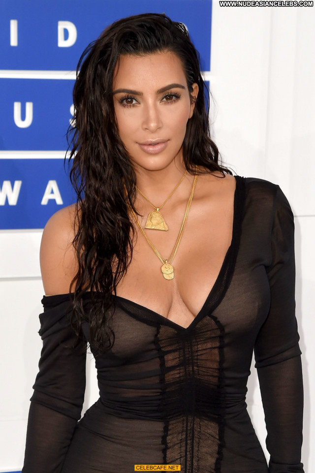 Kim Kardashian Babe Sex Celebrity Posing Hot Beautiful Sexy Awards