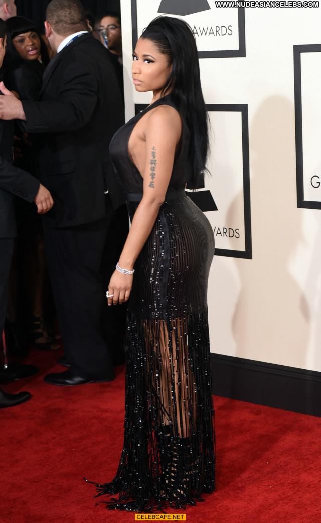 Nicki Minaj Grammy Awards Posing Hot Celebrity Cleavage Awards