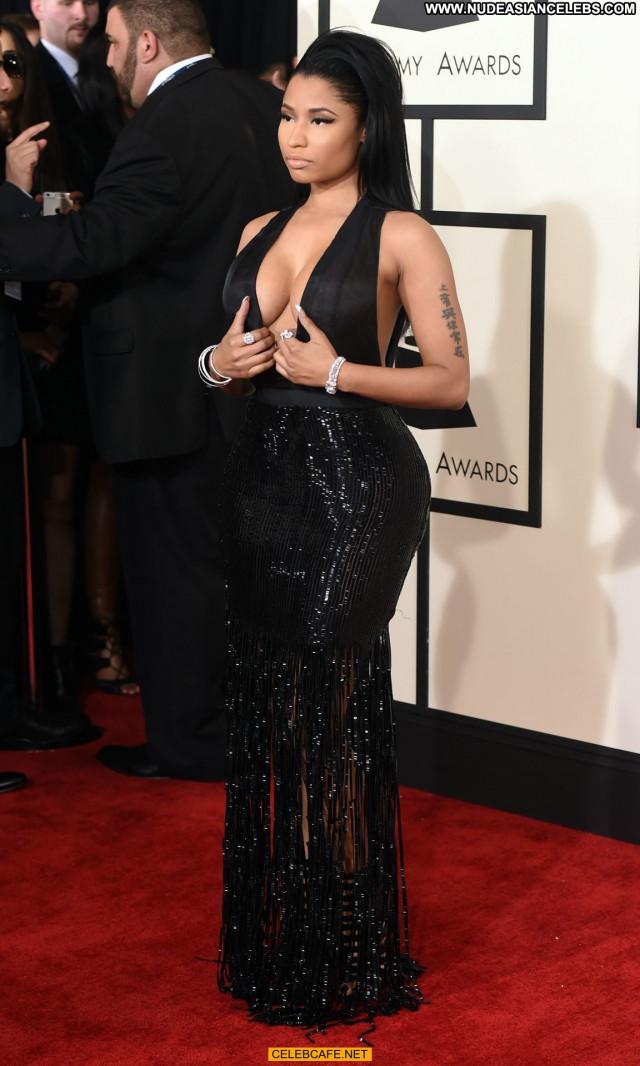 Nicki Minaj Grammy Awards Beautiful Cleavage Posing Hot Awards
