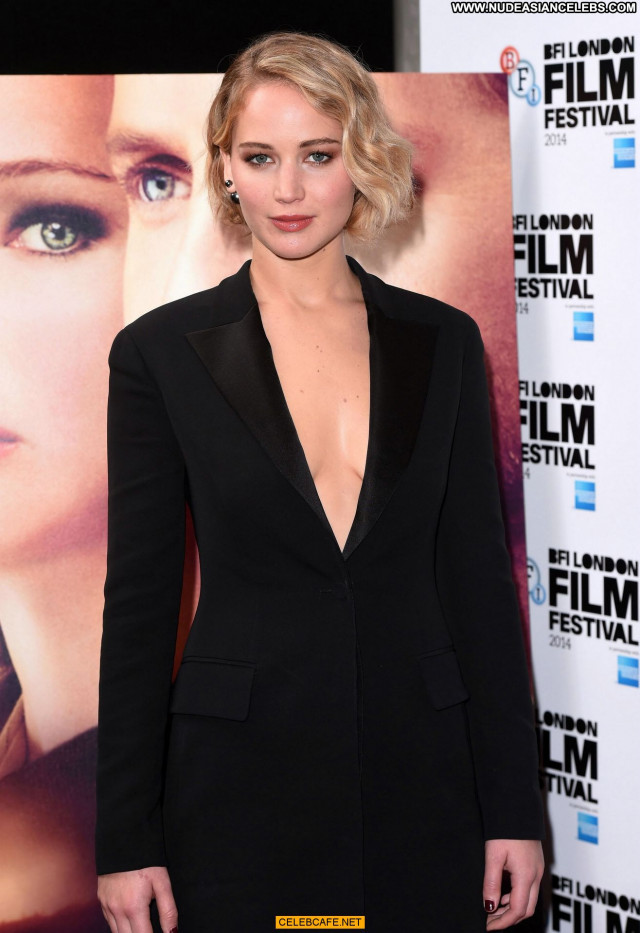 Jennifer Lawrence No Source Beautiful Celebrity London Posing Hot Babe
