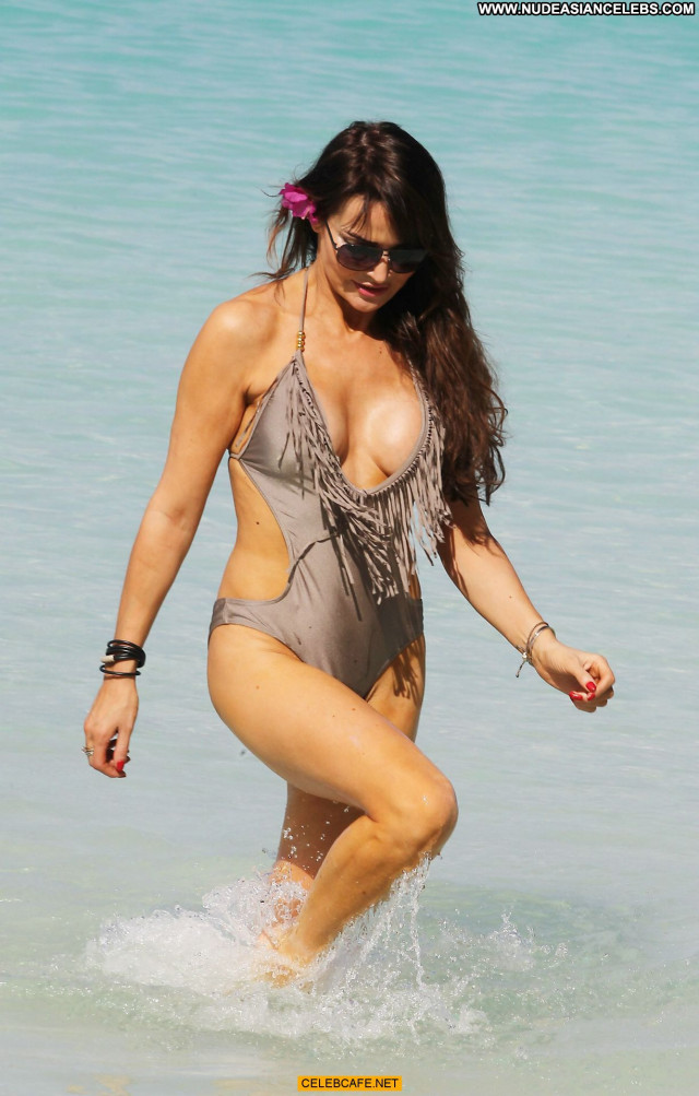Lizzie Cundy Swimsuit Celebrity Barbados Bar Beautiful Babe Posing Hot