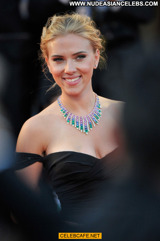 Scarlett Johansson Under The Skin  Sexy Babe Sex Posing Hot Cleavage