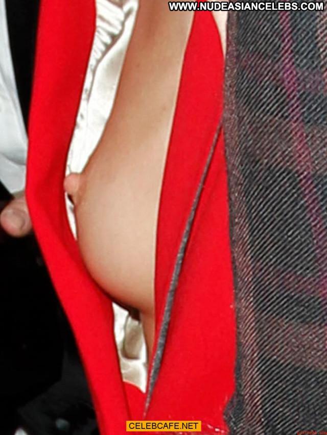 Rosie Huntington Whiteley No Source  Posing Hot Celebrity Paparazzi