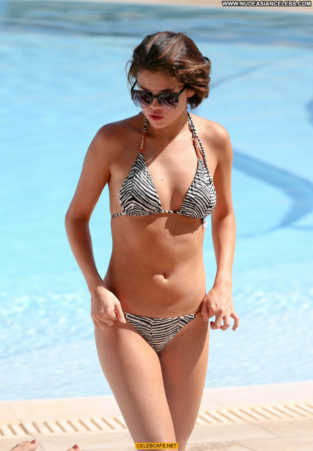 Selena Gomez Swimming Pool Pool Posing Hot Bikini Sexy Beautiful Babe