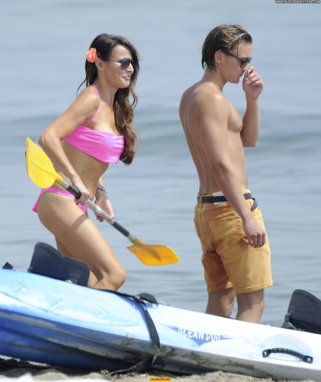 Lizzie Cundy The Beach Beautiful Babe Celebrity Bikini Beach Posing