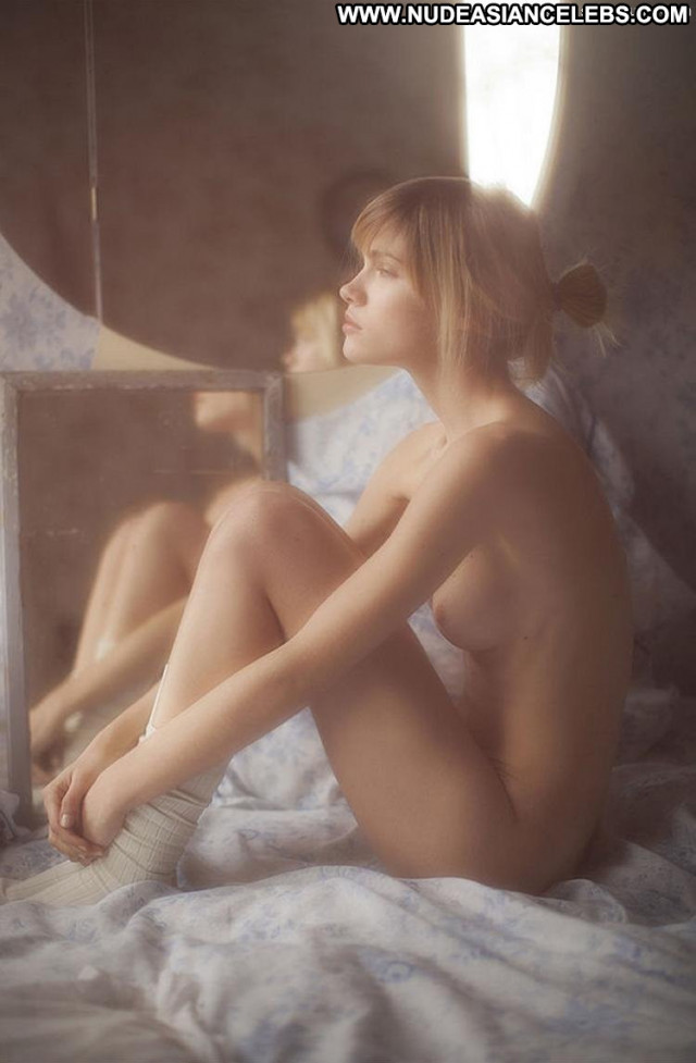 Eva Biechy Shining Through Model Photo Shoot Ass Babe Bed Beautiful