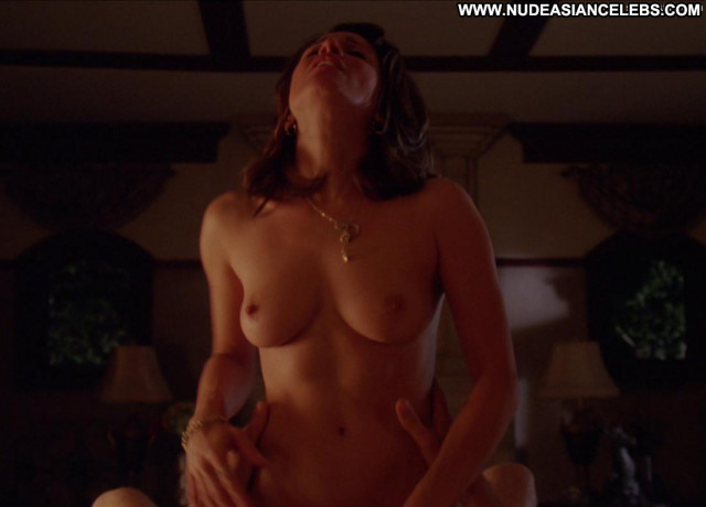 Alanna Ubach Up In The Air Toples Bed Tits Sex Celebrity Posing Hot