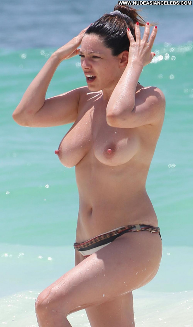 Kelly Brook Time To Leave Breasts Big Tits Mexican Babe Topless
