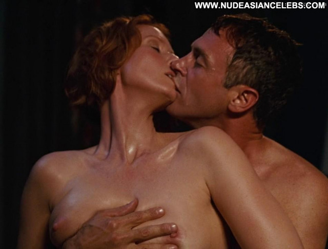 Cynthia Nixon Sex And The City Posing Hot Tits Bed Babe Breasts