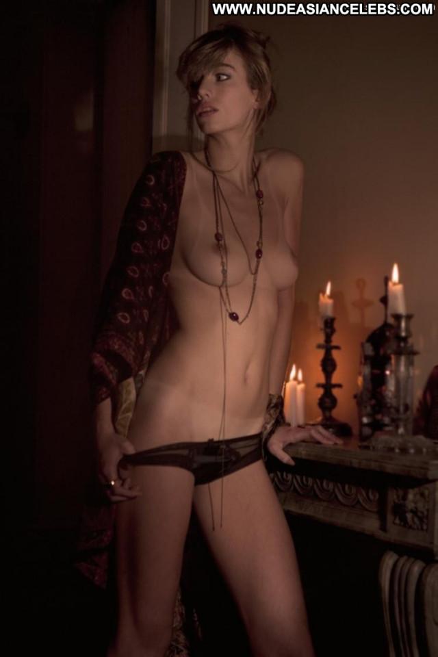 Eliza Sys Ever Magazine Breasts Belgian Bedroom Celebrity Magazine