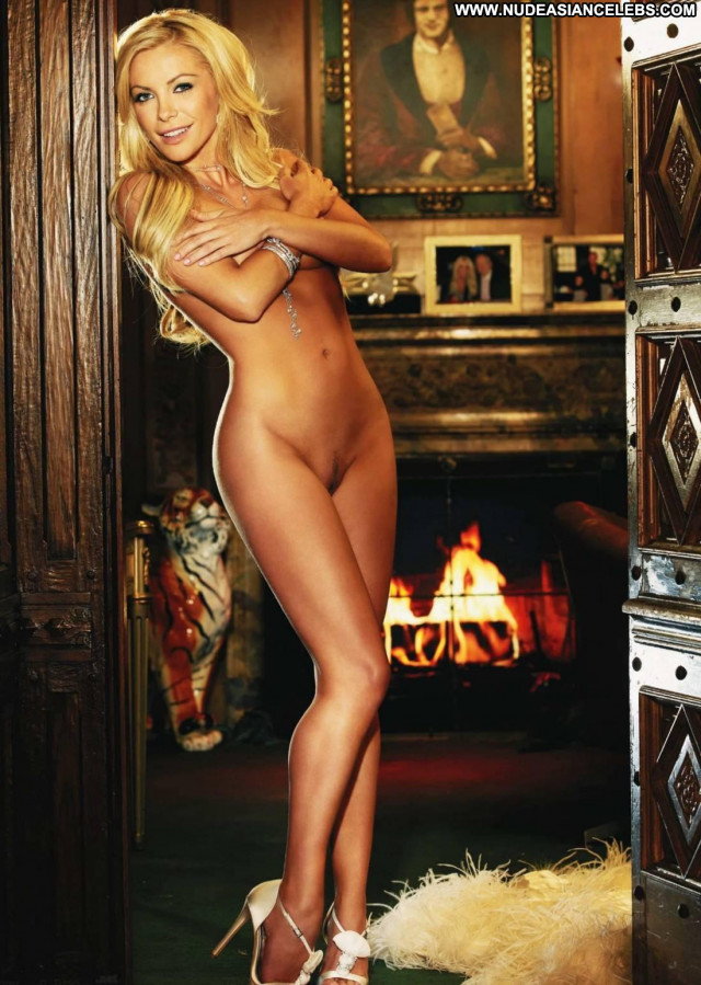 Crystal Harris The Wedding Babe Nude Beautiful Posing Hot Celebrity