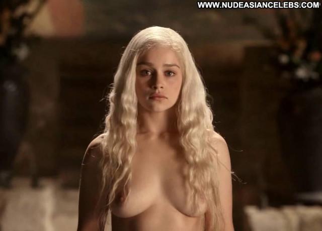Emilia Clarke Game Of Thrones Blonde Big Tits Beautiful Babe Hot