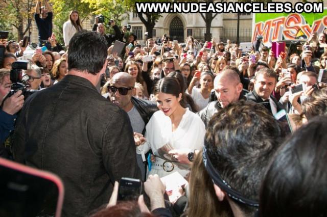 Selena Gomez No Source  Celebrity Babe Posing Hot Paris Hotel Hot
