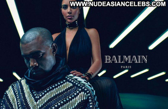 Kim Kardashian Posing Hot Celebrity Babe Beautiful Paparazzi Actress