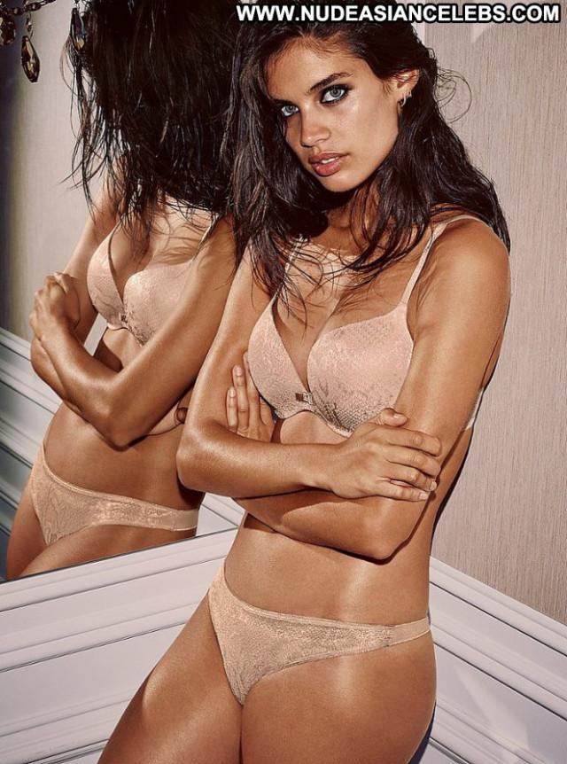 Sara Sampaio Celebrity Babe Posing Hot Photoshoot Beautiful Paparazzi