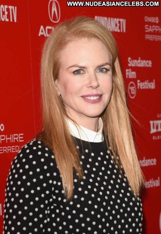 Nicole Kidman Celebrity Posing Hot Paparazzi Park Beautiful Babe