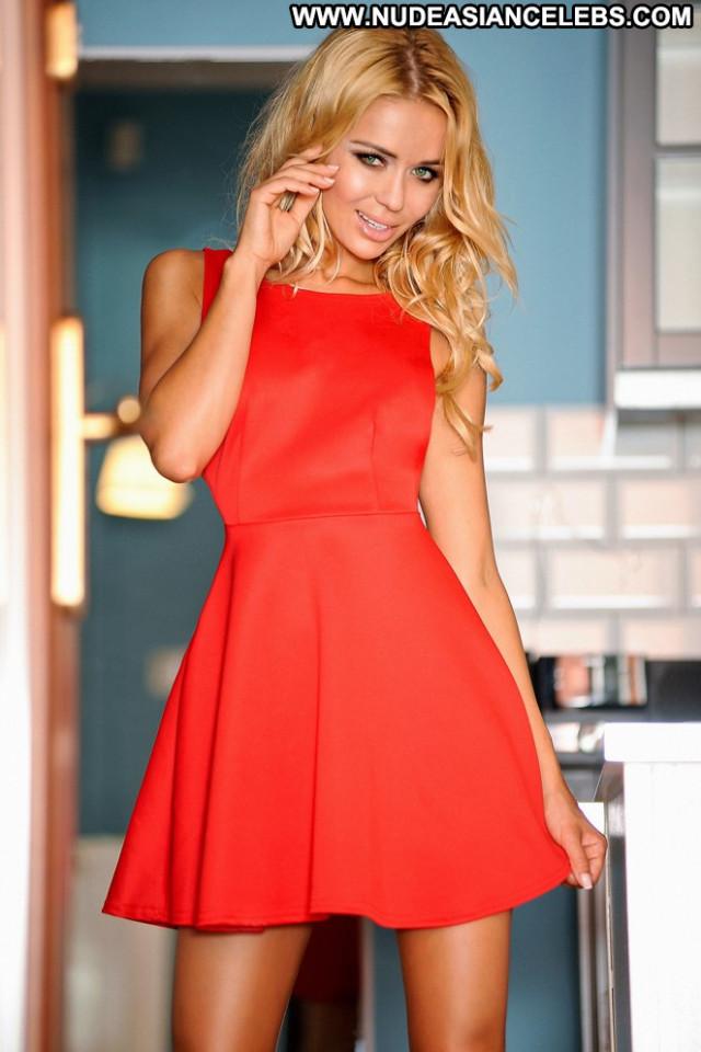 Kamila Mackowiak Celebrity Babe Paparazzi Posing Hot Beautiful
