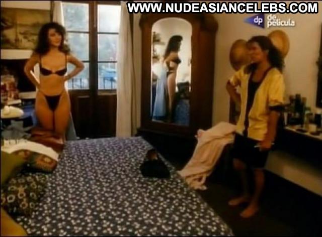 Olivia Collins Rosa De Dos Aromas Big Tits Small Tits Celebrity