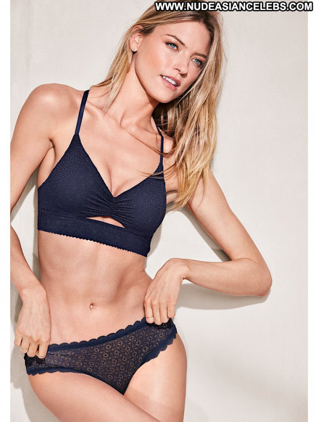 Martha Hunt Fashion Show Posing Hot Lingerie China Russia Photoshoot