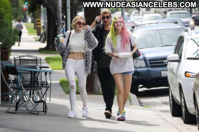 Bella Thorne No Source Posing Hot Beautiful Hollywood Babe Paparazzi