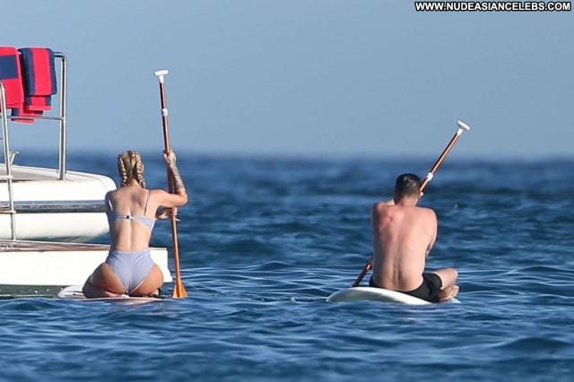 Jessica Simpson Los Angeles Booty Big Tits Busty Posing Hot Bikini