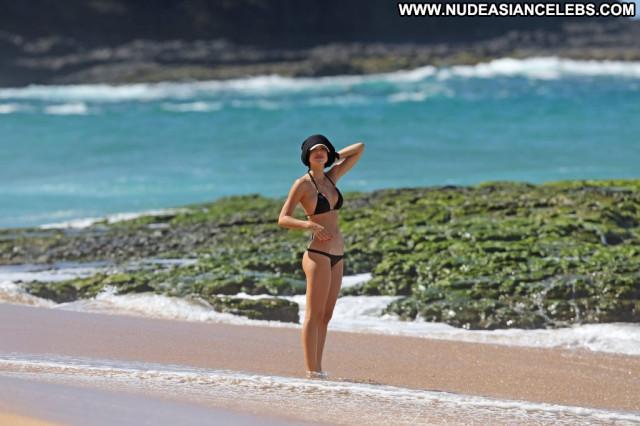 Stephanie Waring Anna Nicole Mali Male Posing Hot Sexy Sex Hawaii
