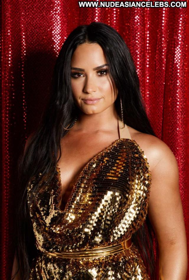Demi Lovato No Source Babe Posing Hot Beautiful Celebrity Paparazzi