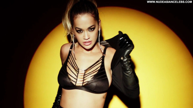 Rita Ora Topless Photoshoot Photoshoot Toples Candid Coach Bra Los