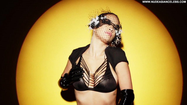 Rita Ora Topless Photoshoot Actress Sexy See Through Toples Candids