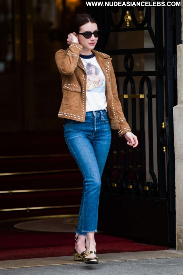 Emma Roberts No Source Celebrity Hot Posing Hot Beautiful Jeans Babe