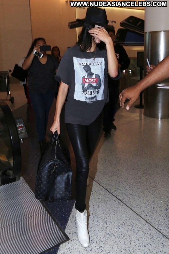 Kendall Jenner Lax Airport Celebrity Posing Hot Los Angeles Babe Lax
