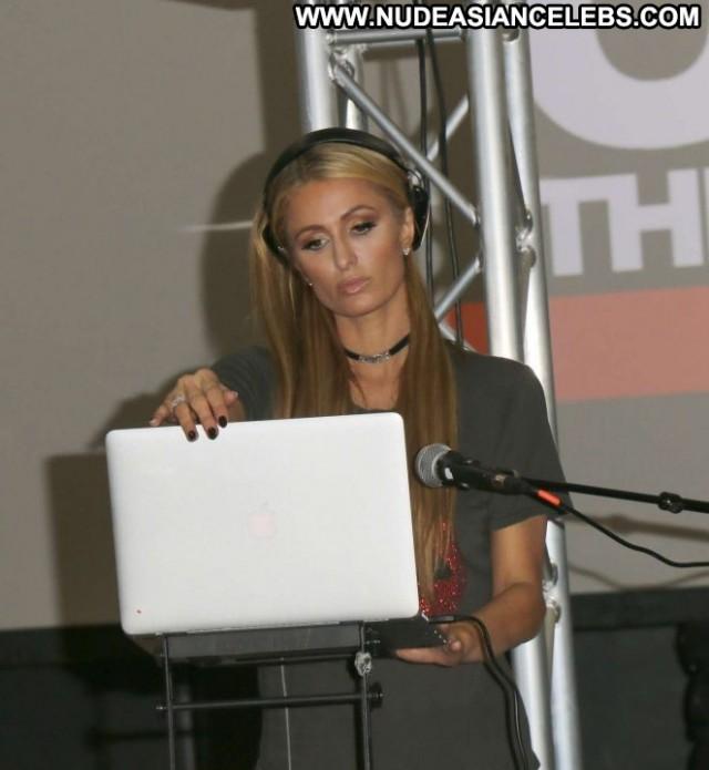 Paris Hilton Los Angeles Paparazzi Celebrity Posing Hot Babe