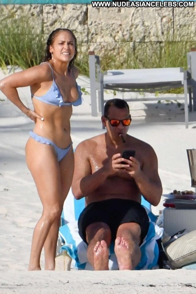 Jennifer Lopez The Beach Celebrity The Bahamas Beach Posing Hot